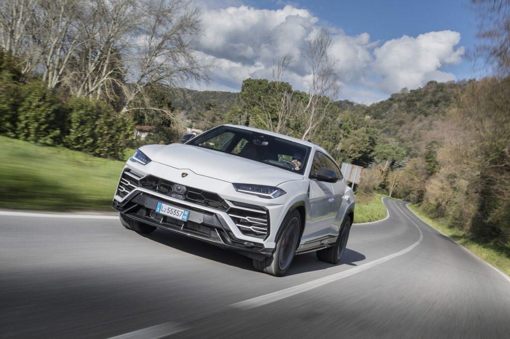 Lamborghini: non sarà al Salone di Ginevra 2020, obiettivo sull'ibrido