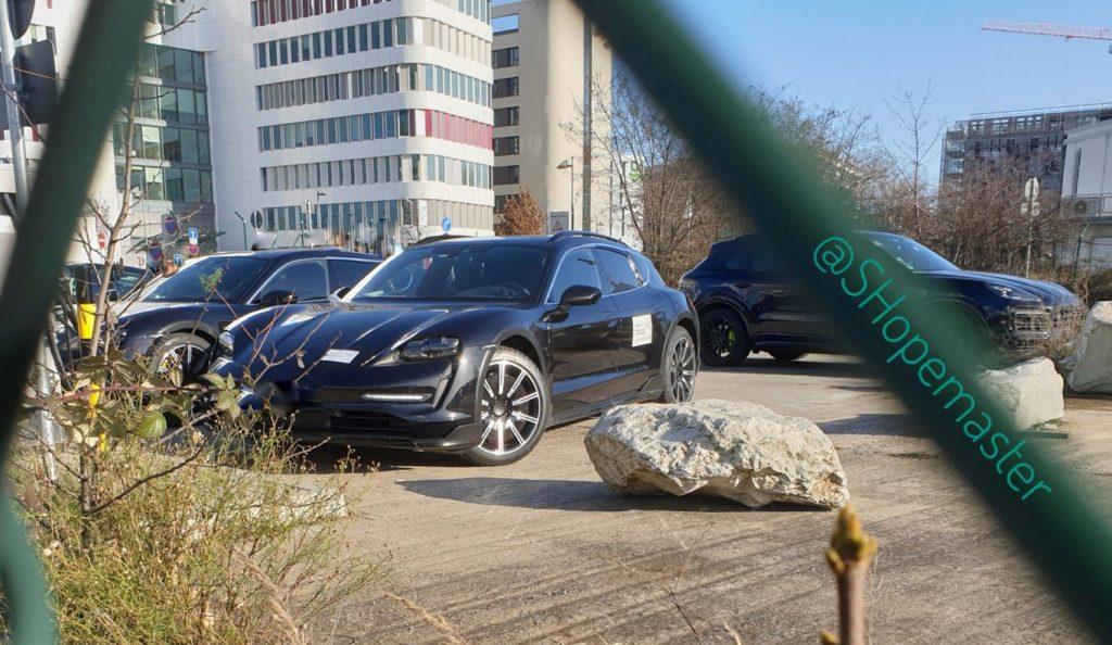 Porsche Taycan Cross Turismo e Taycan Sport Turismo: nuove FOTO SPIA