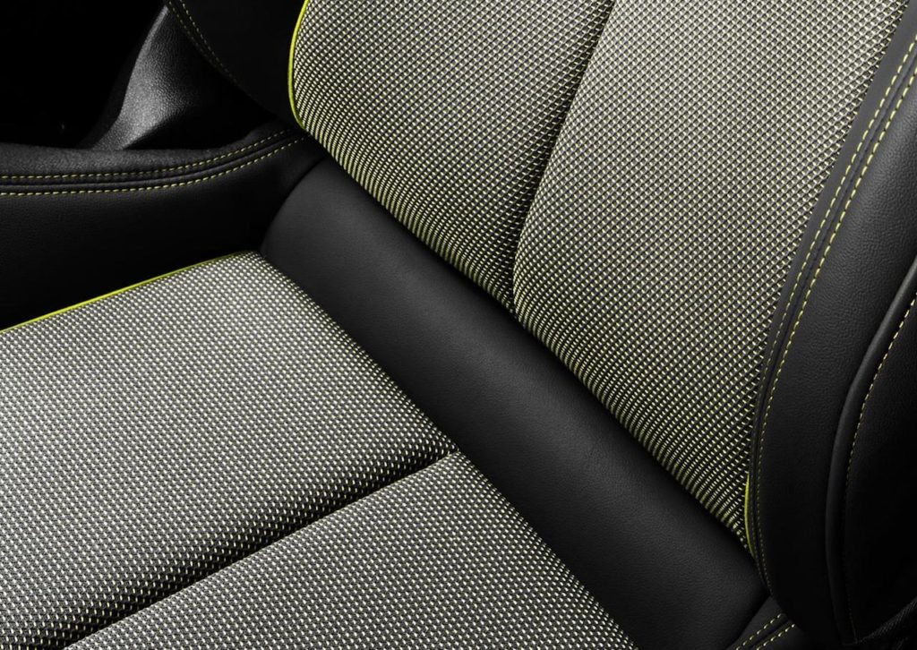 Audi A3 2020: i rivestimenti interni sono realizzati con materiali riciclati