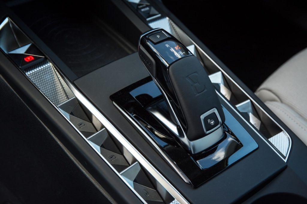 DS 3 Crossback: la tecnologia DS Park Pilot funzionale in fase di parcheggio