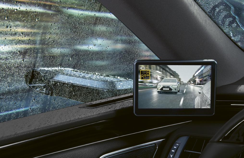 Lexus ES 300h: gli specchietti esterni virtuali al debutto in Europa