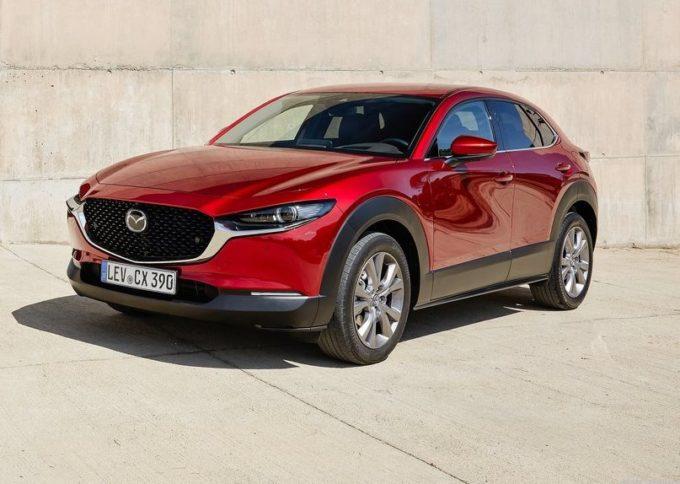 Mazda punta sulla gamma ibrida: CX-30, Mazda2 e Mazda3 si elettrificano