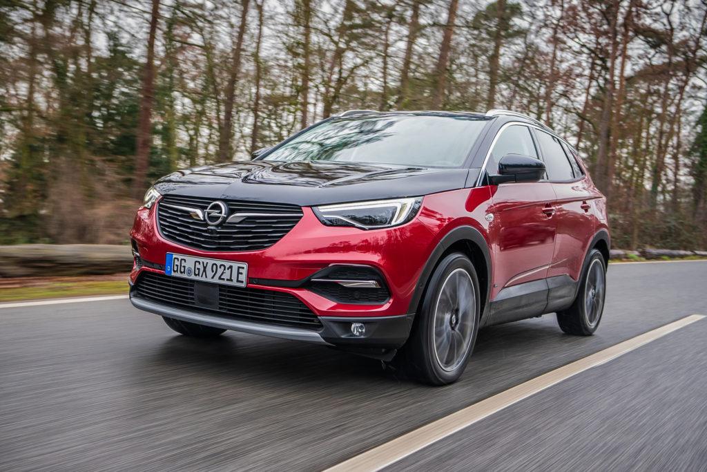 Opel Grandland X 2020: un VIDEO ci spiega come funziona la Plug In Hybrid
