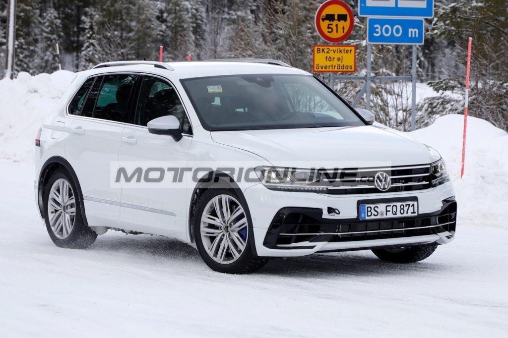 Volkswagen Tiguan R - Foto spia 19-2-2020