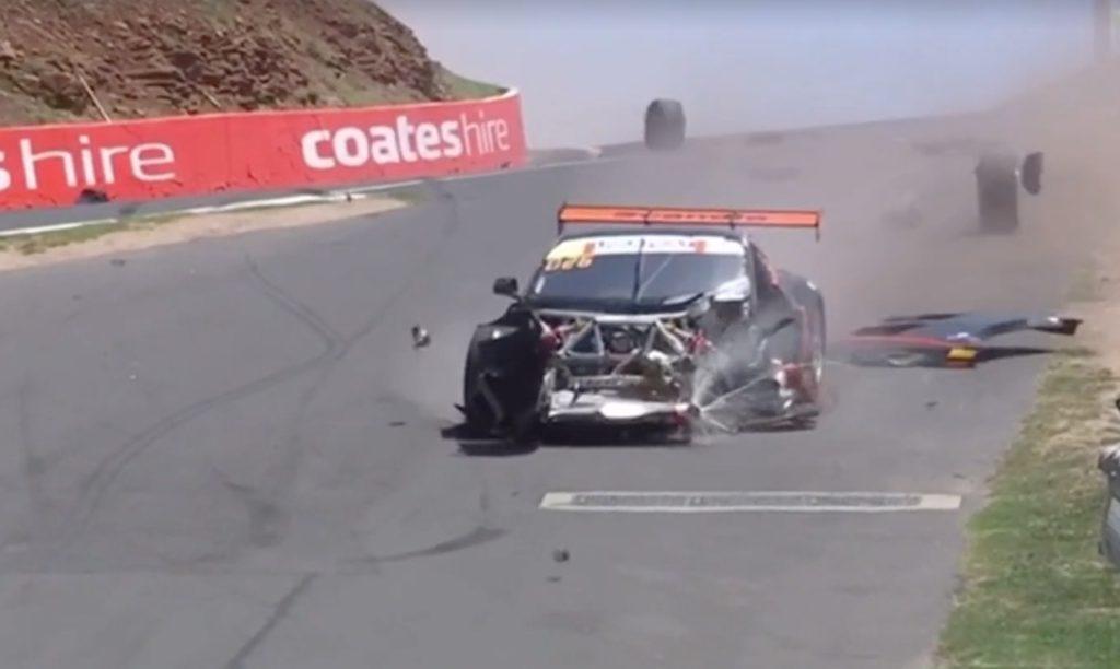 12 Ore di Bathurst: triplo incidente spettacolare nelle qualifiche [VIDEO]