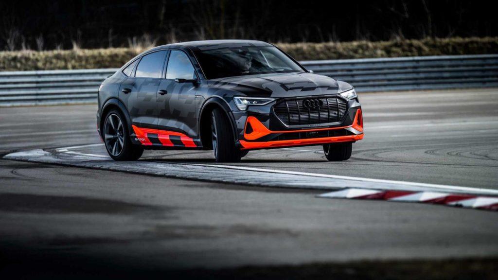 Audi e-tron S ed e-tron Sportback S: arrivano i SUV elettrici da 500 CV