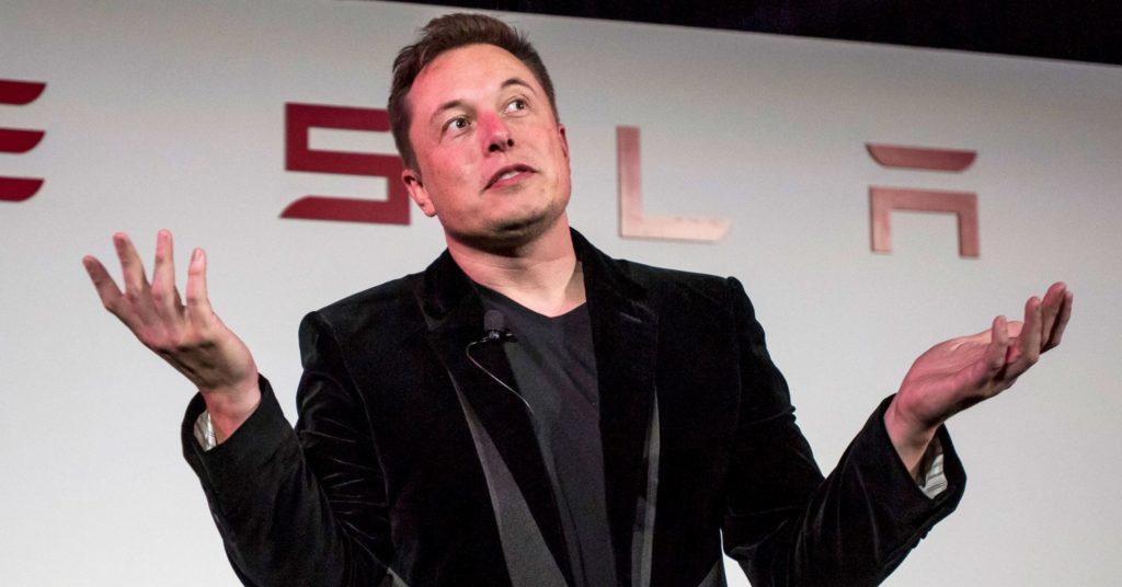 """Elon Musk: dopo """"il panico da Coronavirus è stupido"""" scrive una mail ai dipendenti"""