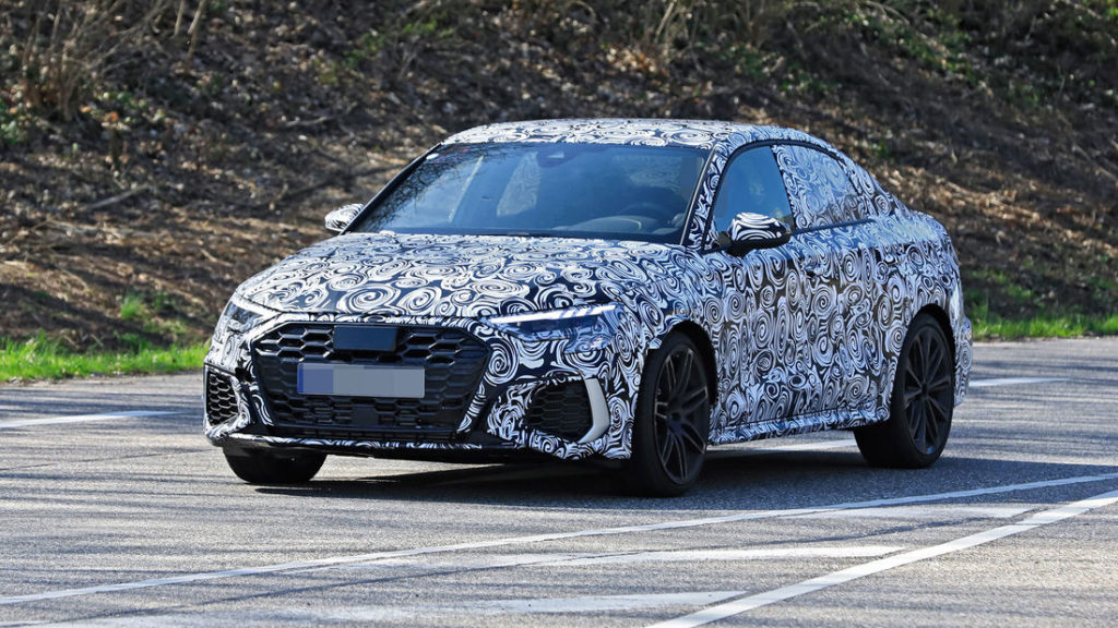 Audi RS3 Sedan - Foto spia 24-3-2020
