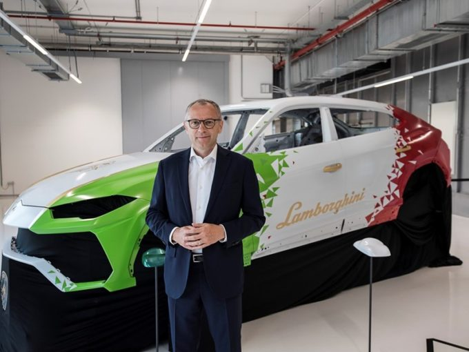 Coronavirus, Lamborghini chiude la fabbrica fino al 25 marzo