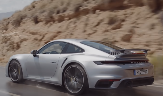 Nuova Porsche 911 Turbo S: più performance con l'aerodinamica attiva [VIDEO]