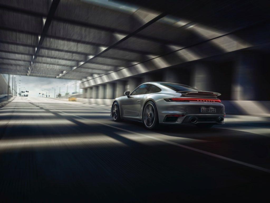 Porsche 911 Turbo S 2020: una potente tradizione che evolve [VIDEO]