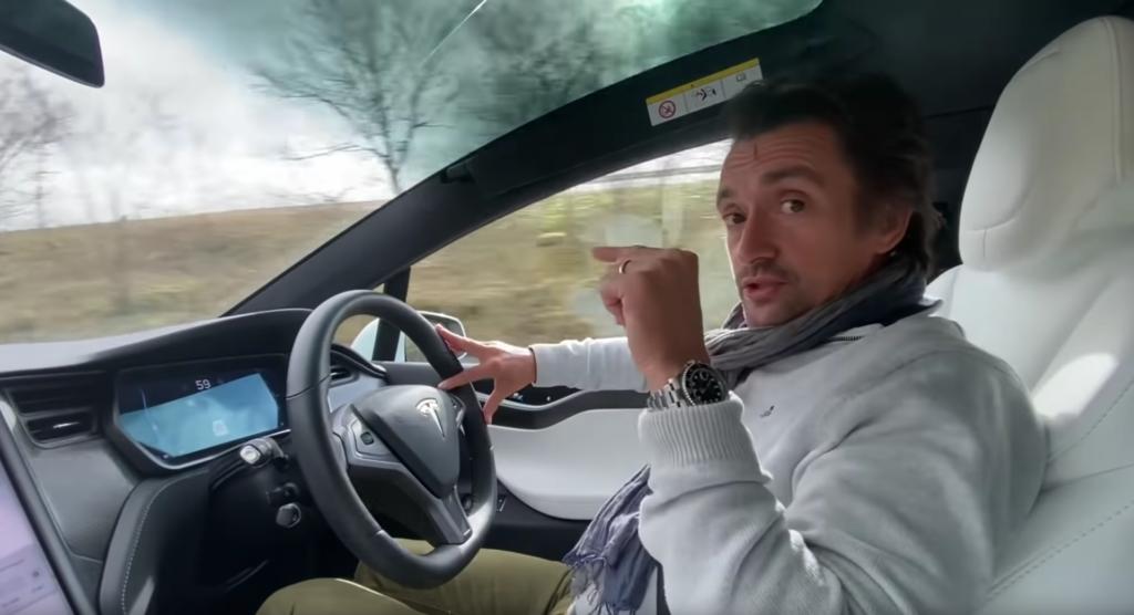 Richard Hammond e il difficile rapporto con la Tesla Model X [VIDEO]