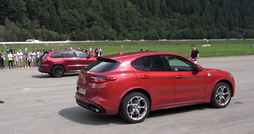 Alfa Romeo Stelvio Quadrifoglio VS Grand Cherokee Trackhawk: drag race tra SUV potenti [VIDEO]