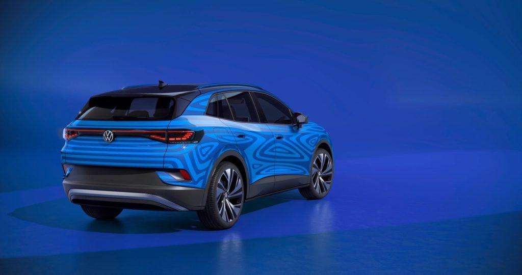 Volkswagen ID.4: ecco il prototipo del SUV elettrico su strada [VIDEO]