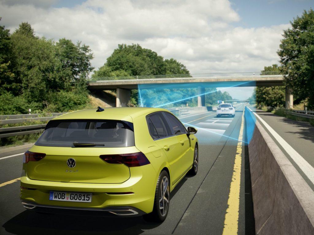 Volkswagen Car-To-X: vince il premio Euro NCAP il sistema di comunicazione tra veicoli e infrastrutture