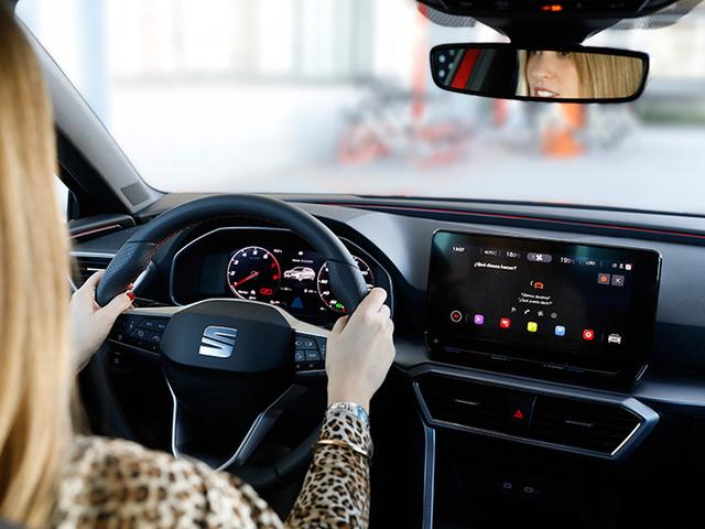Donne e auto: un binomio perfetto per SEAT