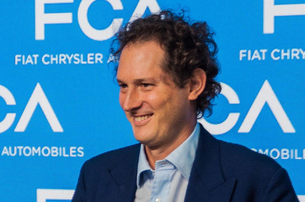 Coronavirus, John Elkann e il CdA di FCA rinunciano ai compensi fino a fine 2020