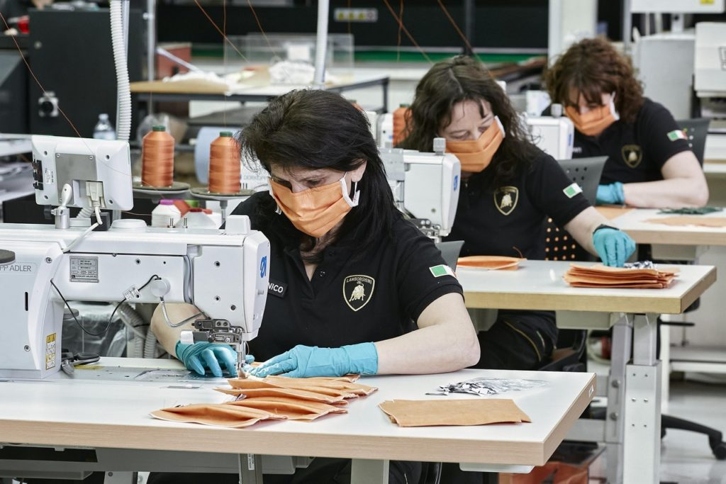 Lamborghini: via alla produzione di mascherine e visiere protettive