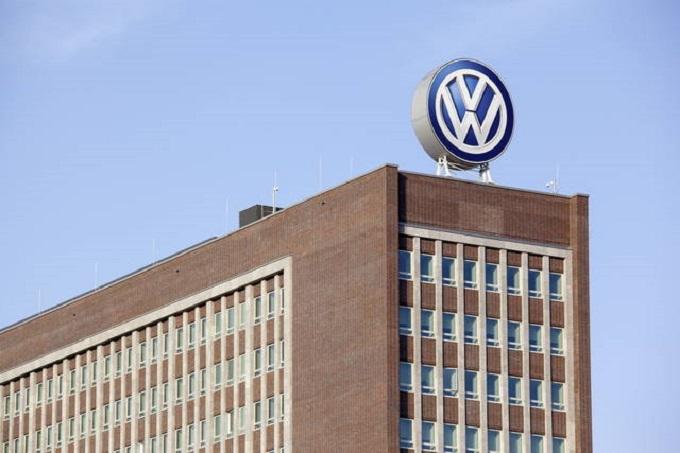 Coronavirus, Volkswagen chiude le fabbriche in tutta Europa per due settimane