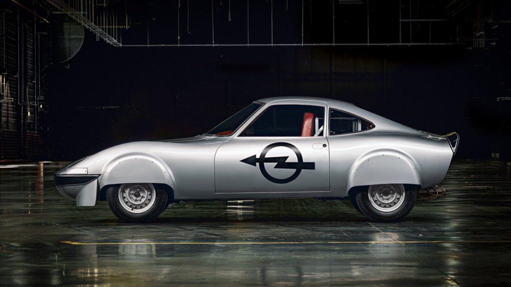 Opel: la storia delle vetture elettriche parte dagli anni '60