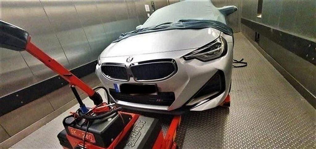 Nuova BMW Serie 2 Coupé 2021: le foto rubate della berlina a trazione posteriore