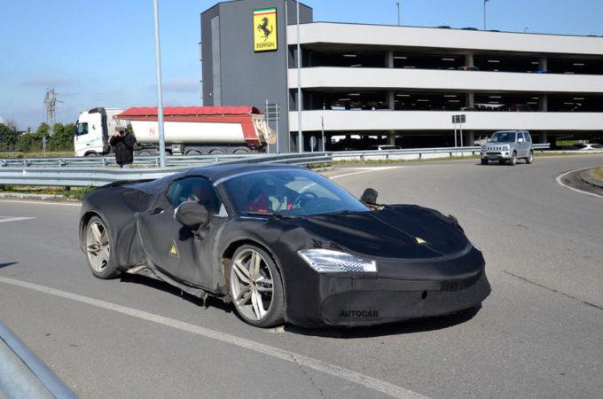 Ferrari SF90 Stradale Spider: prime FOTO SPIA del prototipo