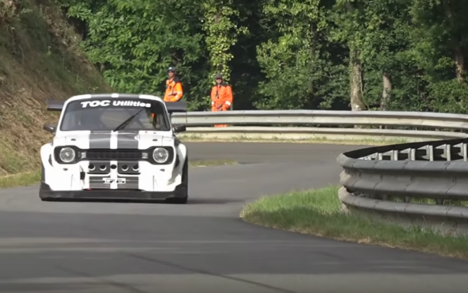 Ford Escort Mk1: bolide retrò da 375 CV in azione [VIDEO]
