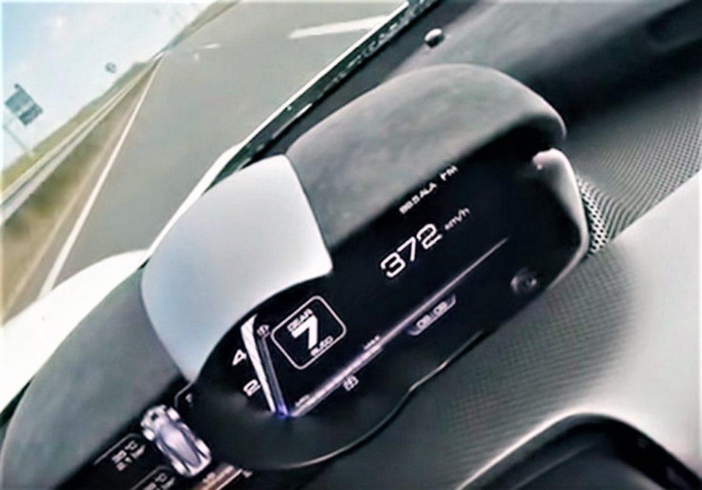 Ferrari LaFerrari a 372 km/h in autostrada! [VIDEO]