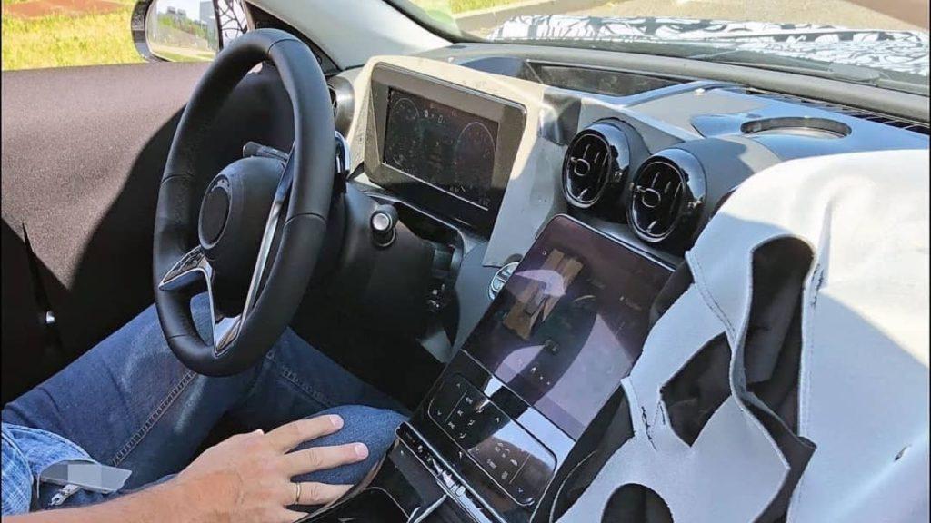 Mercedes Classe C 2021: nuovo sistema MBUX all'interno [FOTO SPIA]
