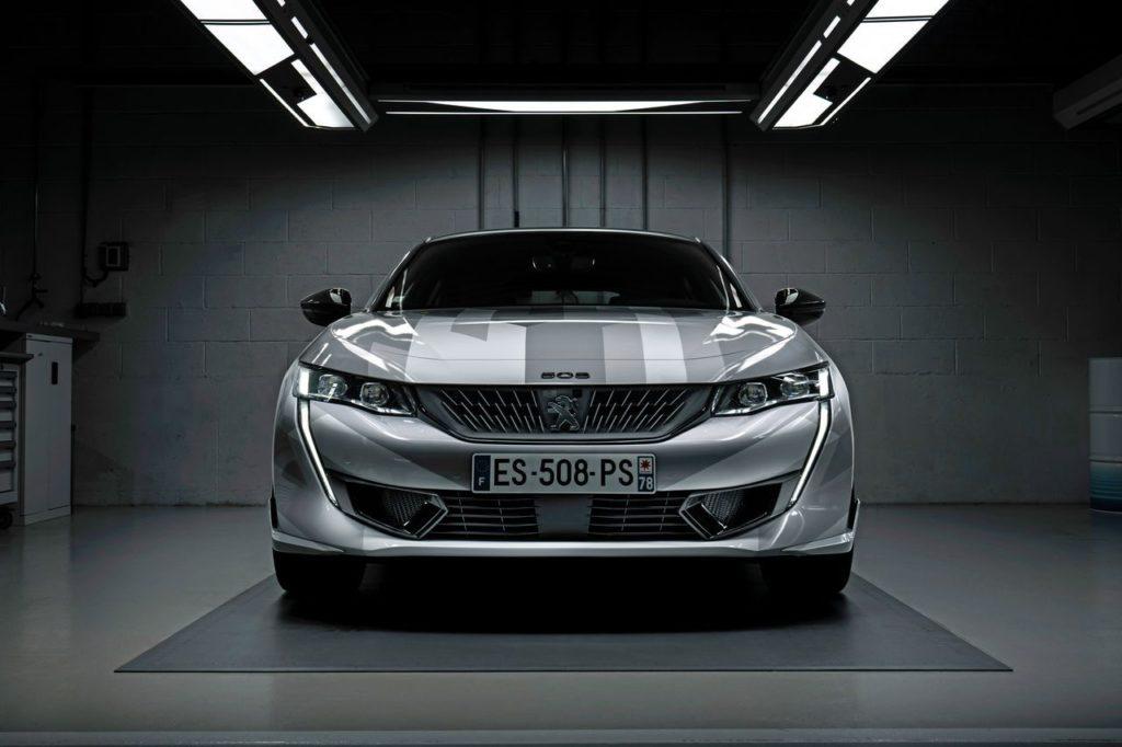 Peugeot 508 PSE: l'ammiraglia ibrida sportiva in un nuovo VIDEO