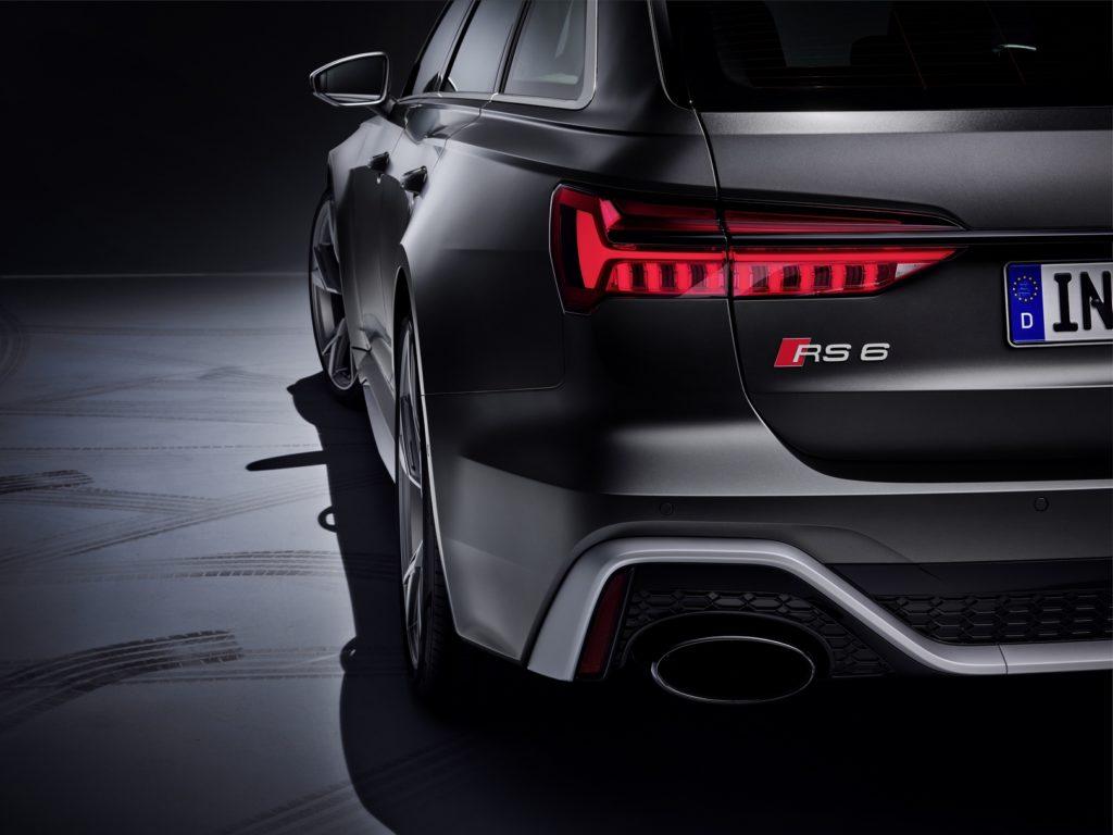 Audi RS6 Avant 2020: ancora in VIDEO con un body-kit nero cristallo