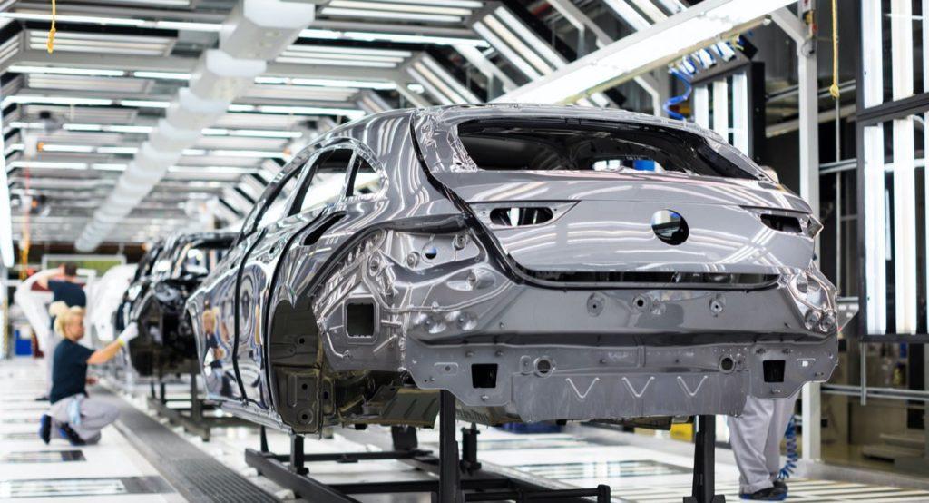 Mercedes e Audi si preparano per il riavvio della produzione in Europa