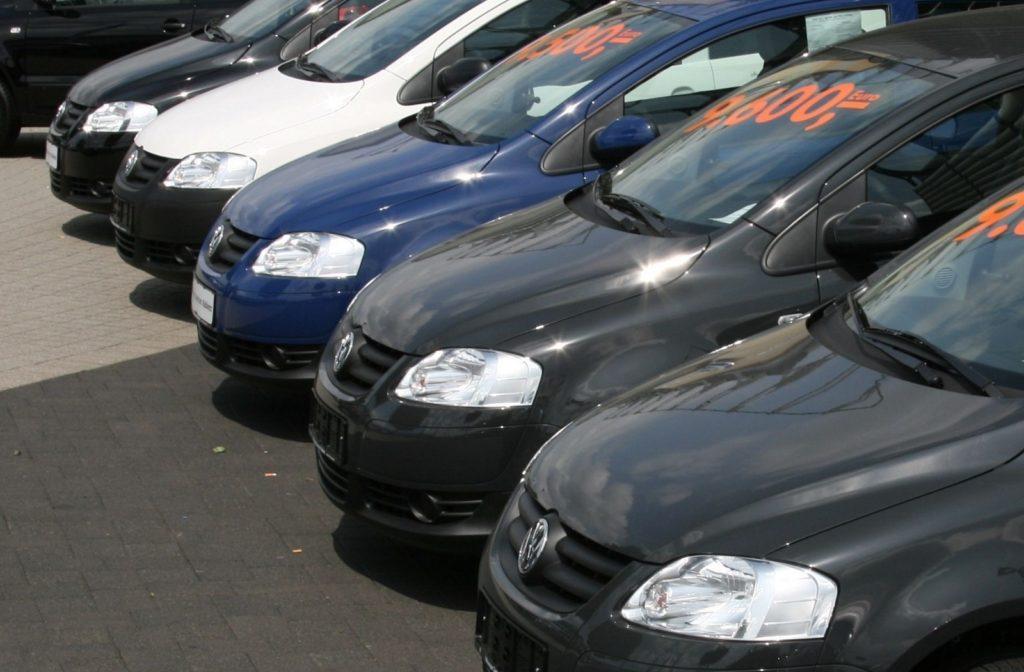 Coronavirus, mercato online auto usate: in Italia calo delle vendite del 60%