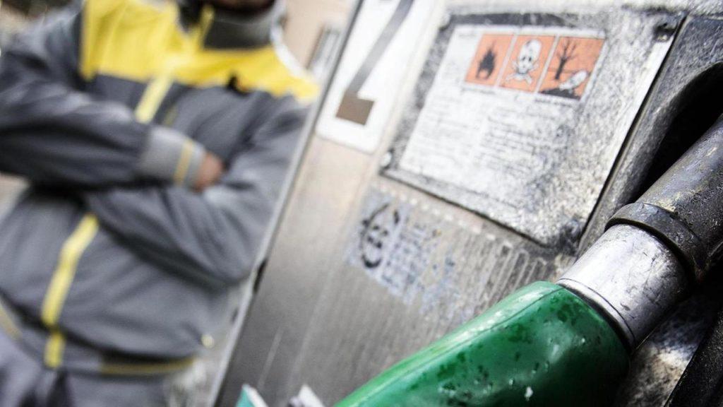 Carburanti: persi oltre il 90% dei ricavi, impianti a rischio fallimento