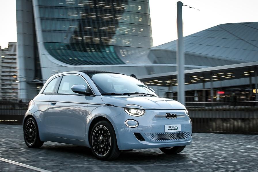 Fiat 500 elettrica: in arrivo una versione 5 porte nel 2021