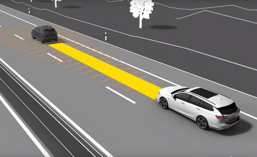 Opel: come funziona il Cruise Control Adattivo [VIDEO]
