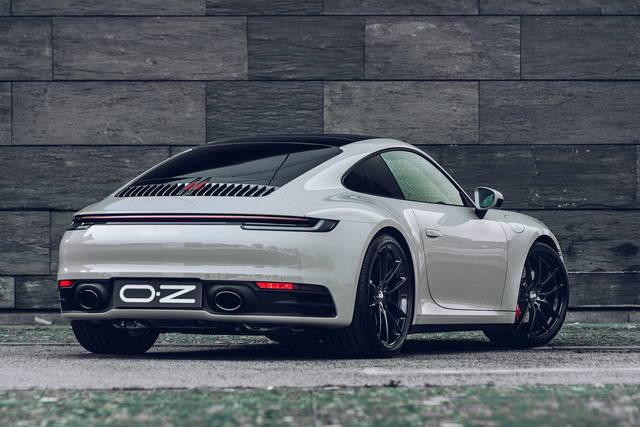 Porsche 911: ecco i nuovi esclusivi cerchi OZ Leggera Hlt da 21 pollici