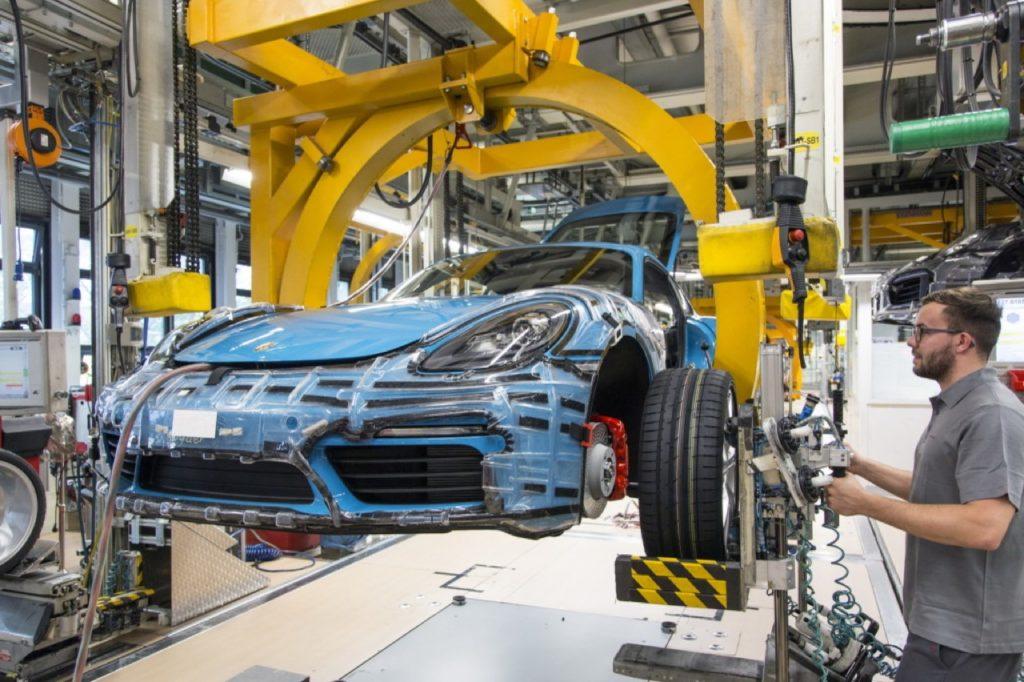 Porsche: oltre 9 mila euro di bonus a tutti i dipendenti della Germania per i risultati del 2019