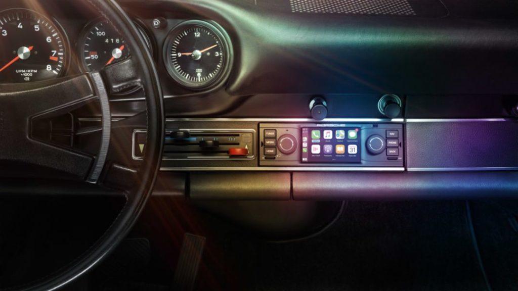 Porsche: disponibile Apple CarPlay per i modelli classici