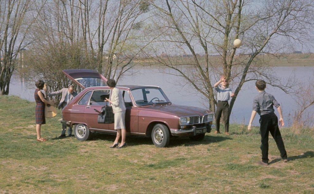 Renault 16: la prima auto familiare della Losanga festeggia 55 anni