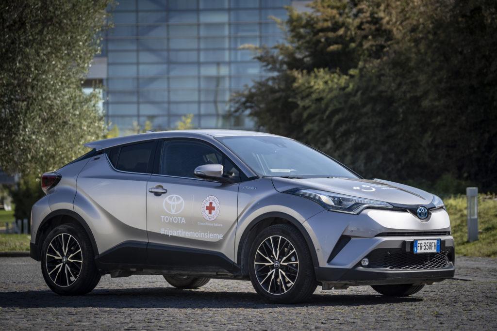 Coronavirus: da Toyota veicoli per la Croce Rossa Italiana