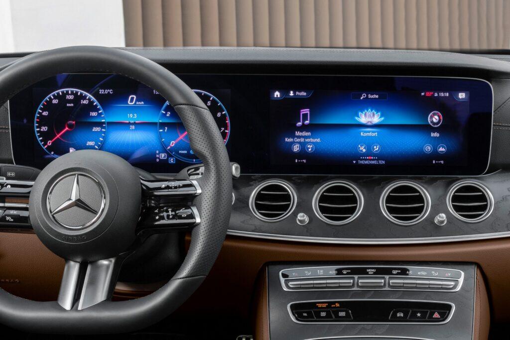 Mercedes Classe E 2020: nuove immagini per gli interni di Coupé e Cabriolet