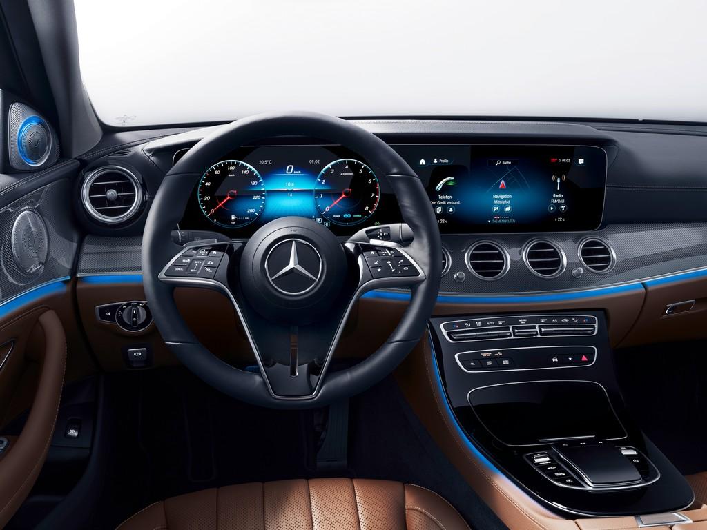 Mercedes Classe E 2020: al debutto una nuova generazione di volanti capacitivi