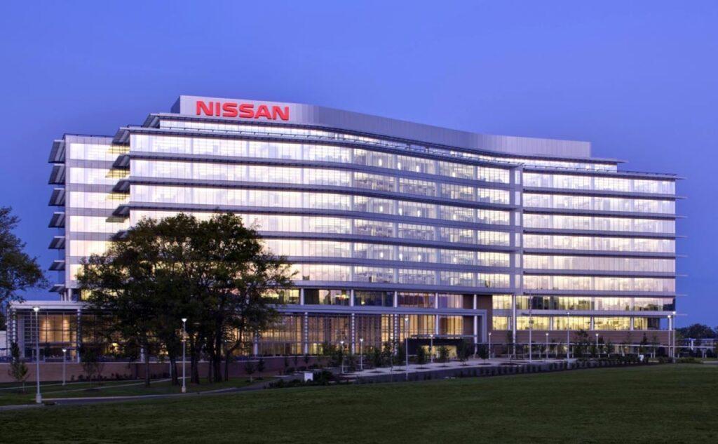 Nissan: un futuro incentro all'orizzonte, tabù la fusione con Renault