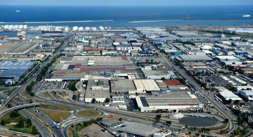 Nissan: ridotta la produzione del 20%, chiusi gli impianti a Barcellona e in Indonesia