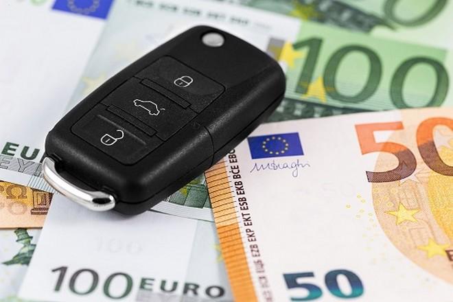 RC Auto: calano i prezzi, -15% nel mese di aprile