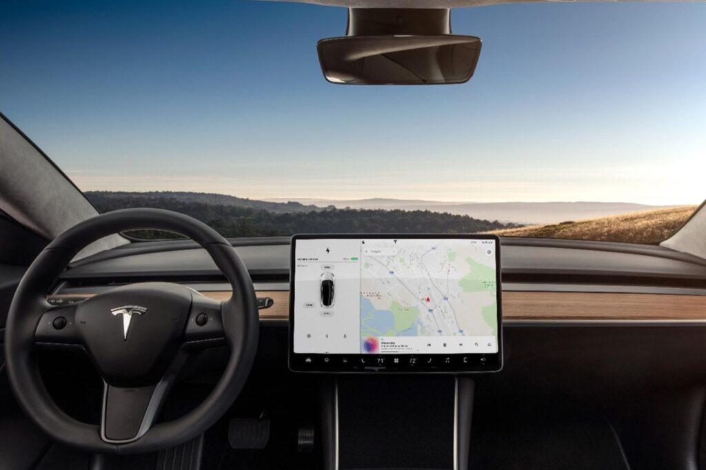 Tesla Model 3: video conference dallo schermo dell'infotainment