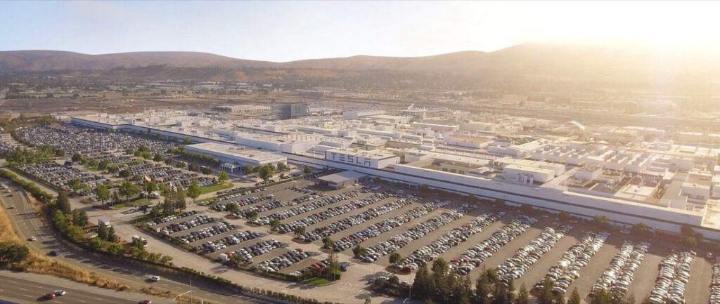 Tesla: il quartier generale potrebbe spostarsi in Texas o Nevada