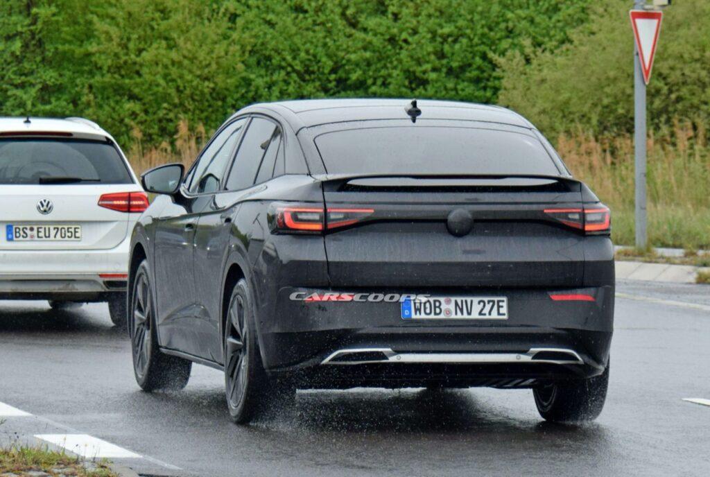 Volkswagen ID.4: nuovo SUV coupè elettrico avvistato su strada [FOTO SPIA]