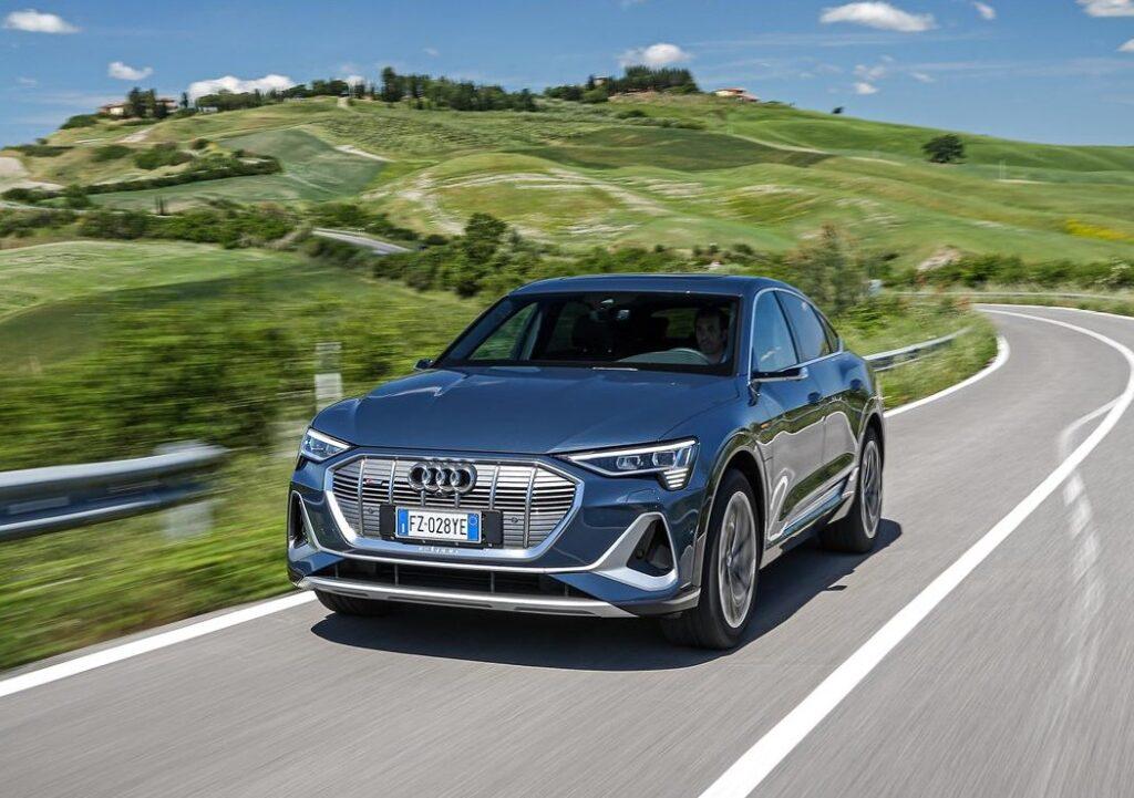 Audi e-tron: il noleggio 'Bridge' per l'elettrica dei quattro anelli